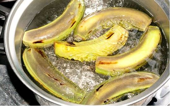 Boil Bananas And Drink The Liquid Before Bed. You Will Not Believe ...